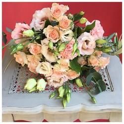 🌿notre bouquet Laura est disponible sur le shop dès aujourd'hui🌿 lien dans la bio. Bon lundi à tous 😀  #flowers#fleurs #bouquetdefleurs #livraison #livraisongratuite #aixenprovence #aixmaville #blossom #blossomaix #flowers #petals #beautiful #love #pretty #plants #sopretty #summer #flowerstagram #flowersofinstagram #flowersstyles_gf #bloom #blooms #floweraddict#septembre