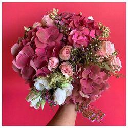 Fidèle à ses principes,Blossom vous propose chaque mois deux bouquets de saison en plus de ses bouquets permanents ♥️ Découvrez notre bouquet « Petit septembre» 🌿sur le site * www.blossom-aix.com #flowers #fleurs#bouquet #petals #nature #beautiful #love #pretty #blossom #sopretty #spring#aix#aixmaville #botanical #floral #provence#sud#concept#suddelafrance#france#marseille#paris#bordeaux#lyon##aixenprovence#livraison#france#avril#printemps#champetre#bohème#avril