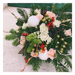 🎄Mon grand bouquet de Noël by Blossom🎄🎄🎄 Faites livrer ce joli bouquet au prix de 35 euros livraison comprise ⭐️ Disponible également le petit bouquet rouge de décembre à 29,90 euros  Du rouge, du blanc, du doré, des boules de Noël 🎁🎁🎁 06.19.02.68.88 www.blossom-aix.com  #flowers #flower #petal #petals #nature #beautiful #love #pretty #blossom #sopretty #fall#winter#aix#aixmaville #flowerslovers #botanical #floral #florals#flowermagic#pertuis#venelles#villelaure#lourmarin#christmas#noel#aixenprovence