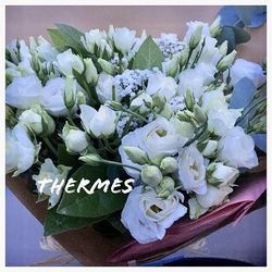 🌿Le bouquet de Charlotte🌿 Offert pour son anniversaire de mariage à été modifié pour l'occasion. Du lisianthus en plus et du gypsophile. Retrouvez Thermes sur le shop www.blossom-aix.com