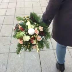 🎄Blossom livre pour vous toute la journée du 24 décembre jusqu'à 18 heures😃 Commandez votre bouquet sur www.blossom-aix.com🎄🎁 #aixenprovence #aixmaville #livraisonadomicile #bouquetdefleurs